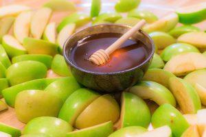 Rosh Hashana apples and honey